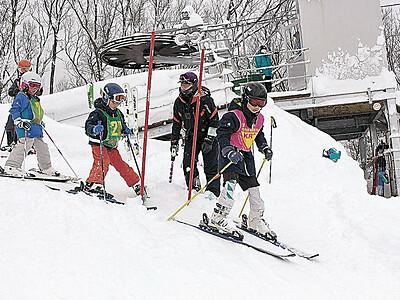 リフト完成祝う 小松・大倉岳スキー場