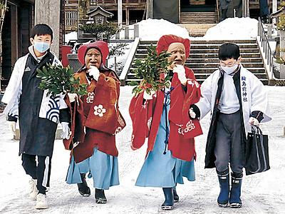 輪島の伝統行事 「おかえり面様」家々回る