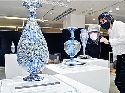 世界の歴史を陶磁器で表現 佐賀・葉山さん西武で個展