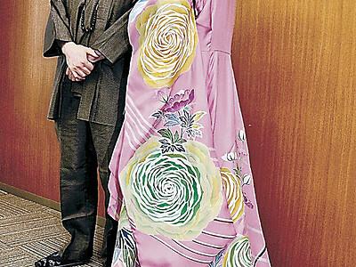 加賀友禅ドレス新調 ハープ奏者上田さん、演奏会で着用