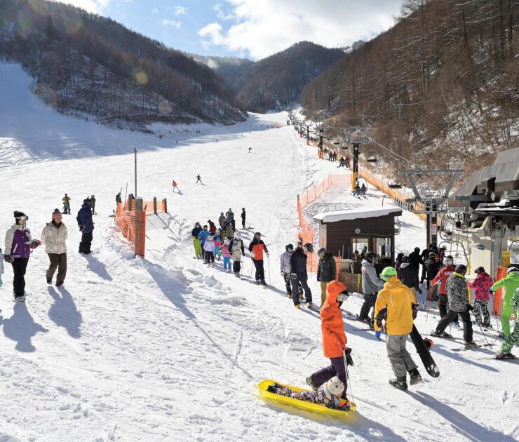 40周年のキャンペーンを行う武石番所ケ原スキー場=2020年12月