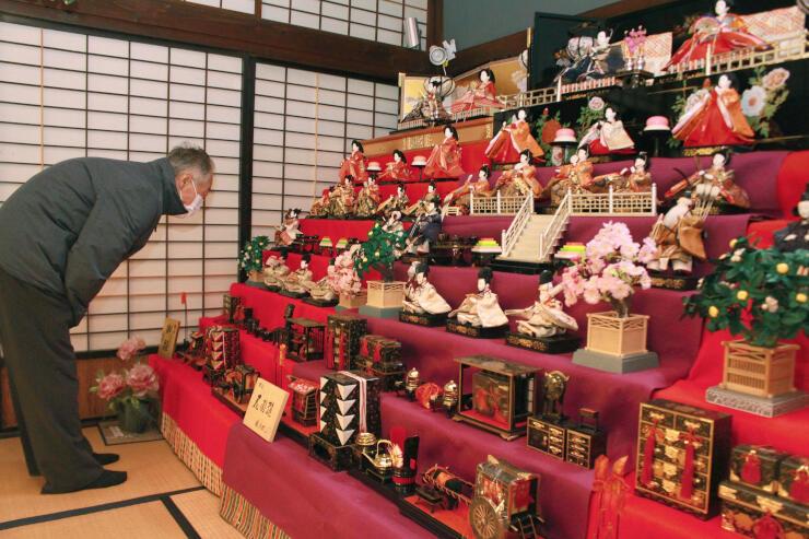 町屋の風情を味わいながらひな飾りを楽しめる「在郷町小須戸 ひな・町屋めぐり」=新潟市秋葉区