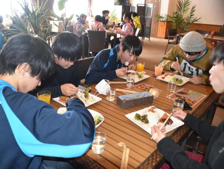 戸狩温泉スキー場で営業中のアジアン食堂