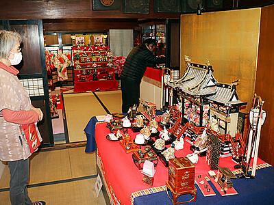 歴史あるひな飾り公開 新湊の国文化財「勘兵衛はうす」