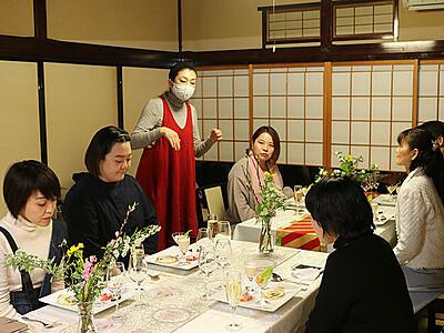 メニュー開発へ沢樹さん提案 富山湾のエビ活用、新湊の観光振興に