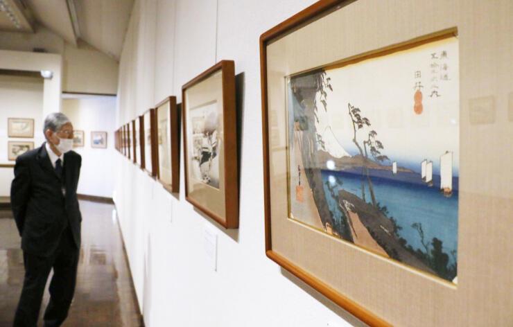 江戸時代の風景や人間模様が楽しめる東海道五十三次の展覧会=弥彦村弥彦