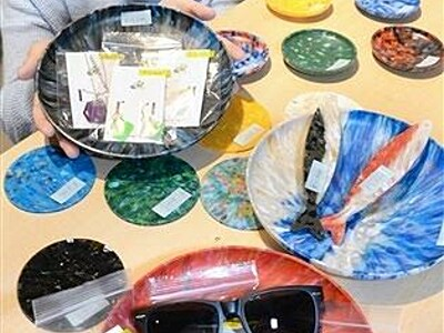 海のごみ再生、輝く宝物に 小浜の女性団体が販売開始