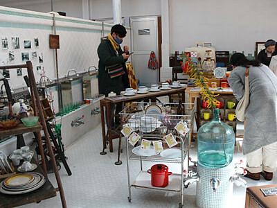 上田の街、歩いて楽しむ 古道具や古着販売の催し