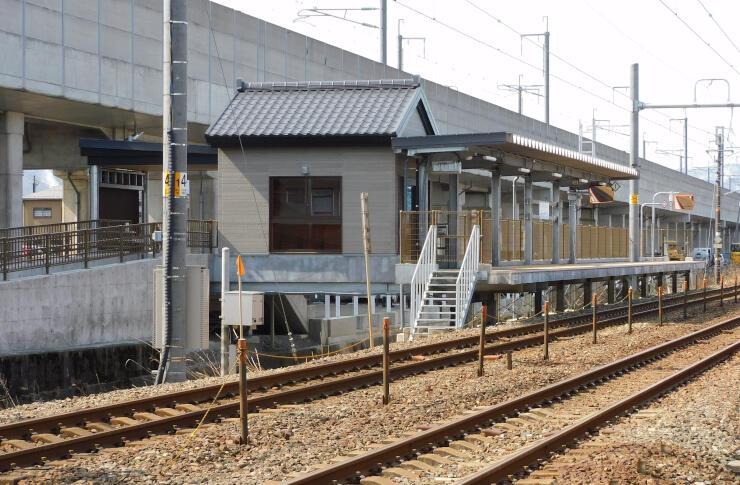 開業を待つえちご押上ひすい海岸駅(糸魚川方面側)=糸魚川市