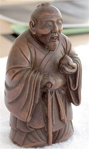 初公開されている疱瘡神木像(福井県小浜市文化課提供)
