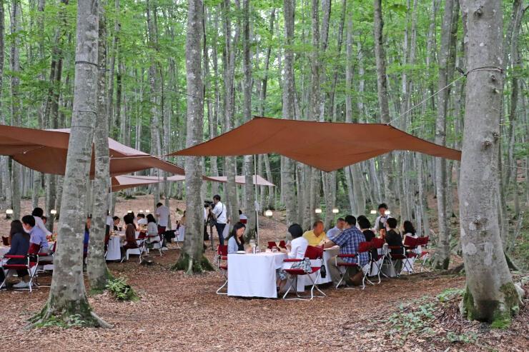美人林で行われた野外レストラン