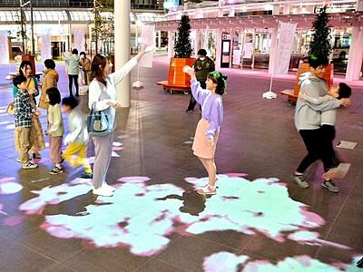 光る夜桜、「まつり」開宴 4月11日まで催し多彩