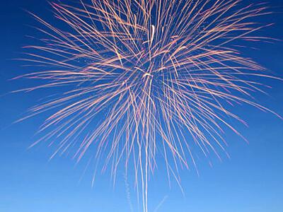 8月の諏訪湖花火大会 15日間、毎夜500発