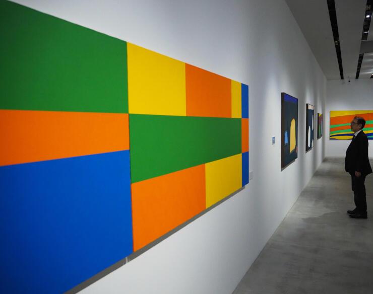 独特のシンプルな表現が目を引く、花田和治さんの作品