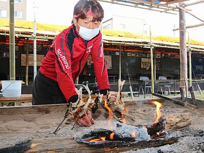 伝統の漁、ウグイ塩焼きなど提供 上田「つけ場小屋」今季も