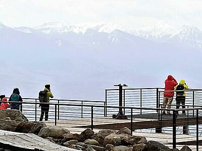 車山山頂のテラス「眺め楽しんで」 グリーンシーズンの使用本格化