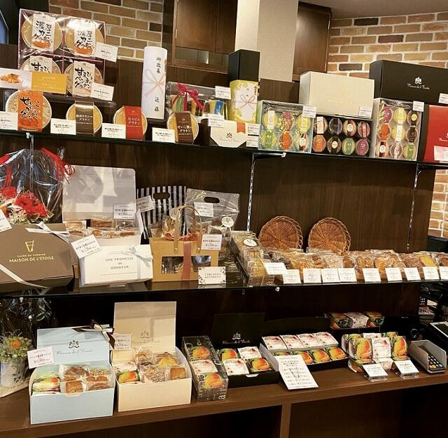 プリン専門店「メゾン・ド・レトワール」の店内=福井県鯖江市