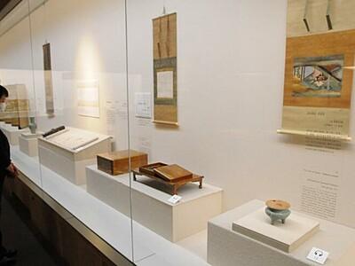 びょうぶ・調度品 「生活の美」展示 諏訪・サンリツ服部美術館