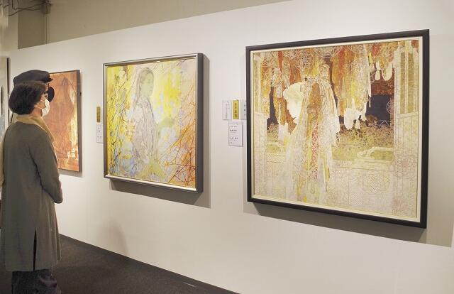 多くの日本画の秀作が並ぶ「春の院展」=5月21日、福井県福井市の西武福井店