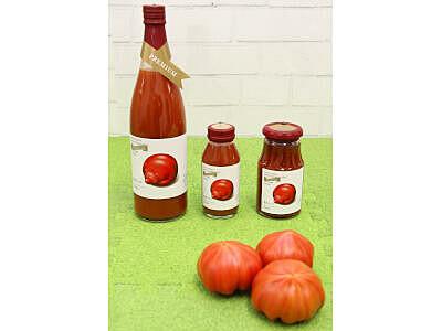 甘み凝縮「越冬トマト」 ジュースとケチャップで味わって