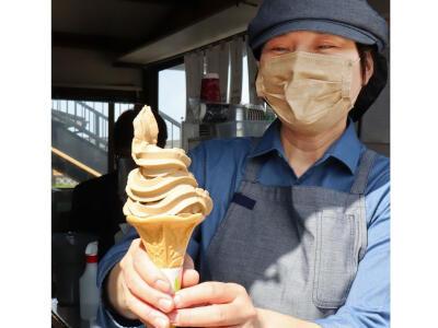 「食べるコーヒー」ソフトクリーム  新名物に 出雲崎町