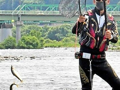 九頭竜川のアユ、釣果まずまず 漁協が試し釣り 福井県永平寺町、12日解禁