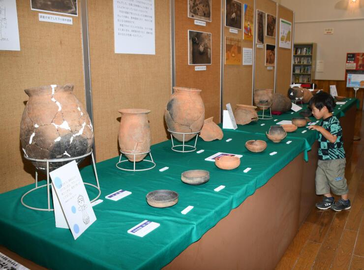 土器に触ることができる中野市立博物館の企画展