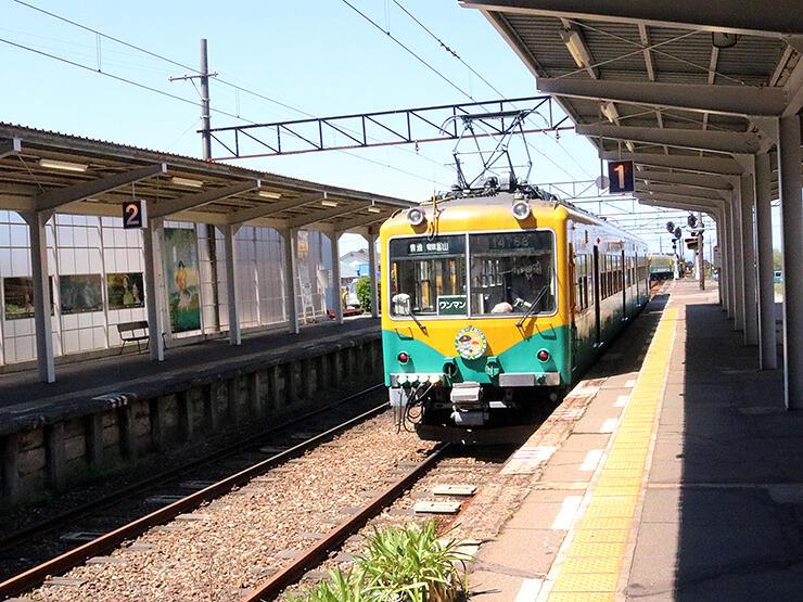 開設90周年の記念事業が行われる富山地方鉄道上市駅