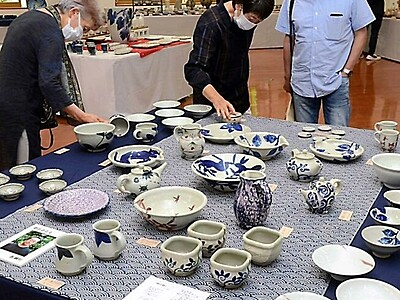 長野県内陶芸作家13人の陶芸展 伊那市で始まる