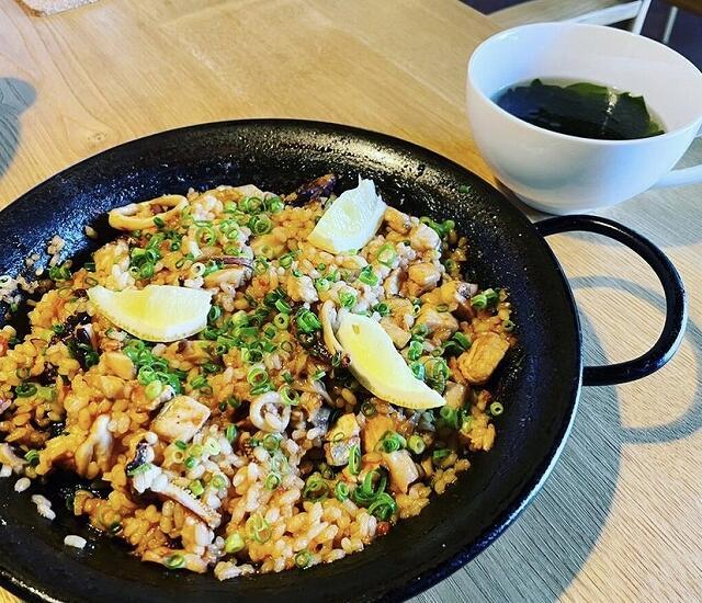 「RESTAURANT UCHITOMI(レストラン ウチトミ)」のパエリア=福井県小浜市
