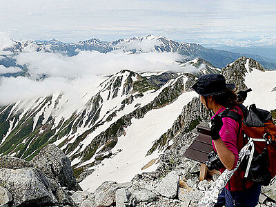 雄大な景色 青空に映え 立山 夏山シーズン到来