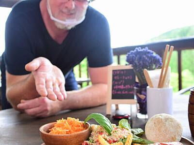 売木の自然とソーセージ満喫 仏出身の協力隊員、レストラン開店