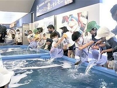 シーフードマーケットが福井県高浜町に 60人完成祝う