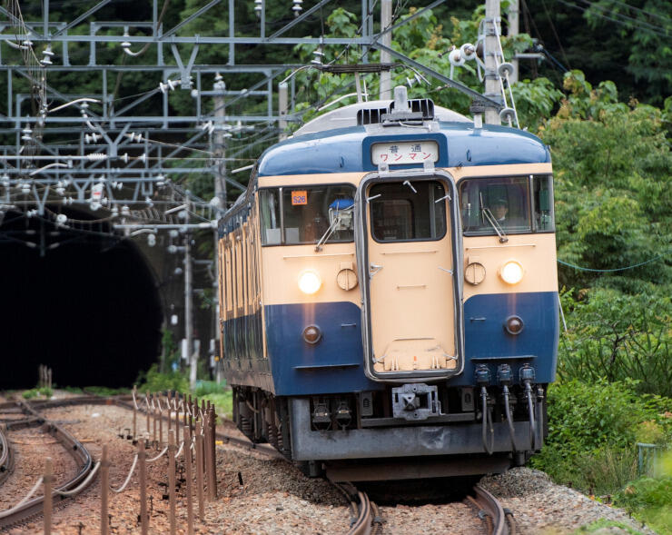 23日に臨時列車を運行するS26編成