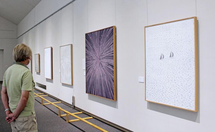 富岡惣一郎の風景画などを展示する企画展=南魚沼市のトミオカホワイト美術館