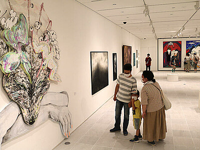 ビエンナーレ第2期始まる 富山県美術館