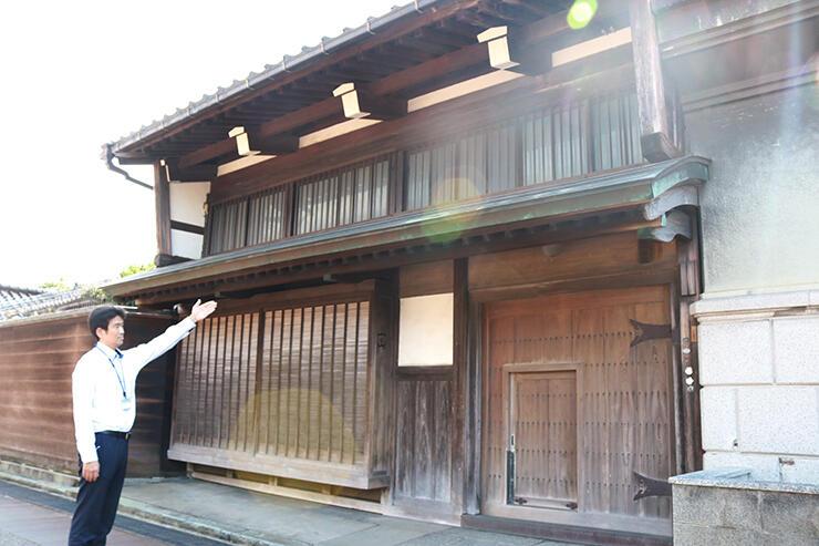 寄贈された米田家の母屋=富山市東岩瀬町