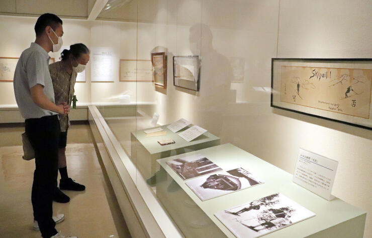 レルヒ少佐の絵画や友人を紹介する企画展=上越市