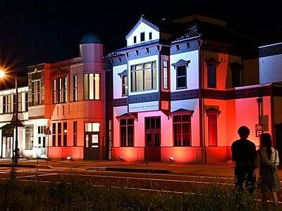 ポーランド応援の光、敦賀ムゼウムに五輪合わせ点灯