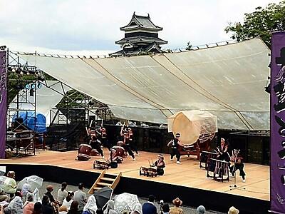 国宝松本城太鼓まつり開幕 2年ぶり勇壮な響き