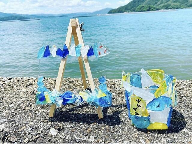 「ガラス工房KEiS庵」で作ったフォトフレームとャンドルホルダー=福井県