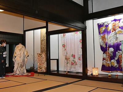 華やか、昭和の花嫁衣装 千曲で9点展示
