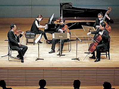 「文化立県」決意新た 赤羽ホールでビエンナーレいしかわが開幕