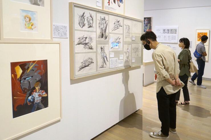 富野由悠季さんの半世紀を超える活動を伝える企画展=17日、新潟市秋葉区