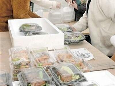 人気の「お総菜市」12月まで延長 福井県おおい町・道の駅「うみんぴあ大飯」