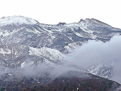白山、立山 初冠雪 2年連続同日観測