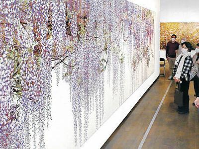 鉛筆が生む超絶リアル 吉村芳生展が開幕 金沢21世紀美術館