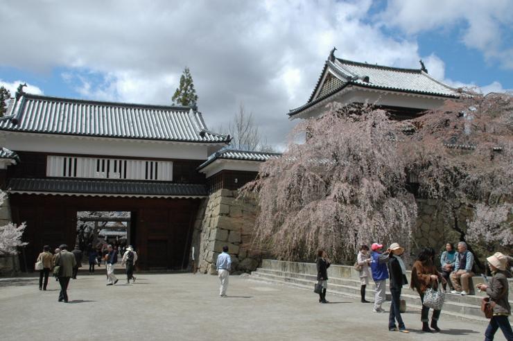 桜の名所としても知られ、いろいろなイベントも開かれている