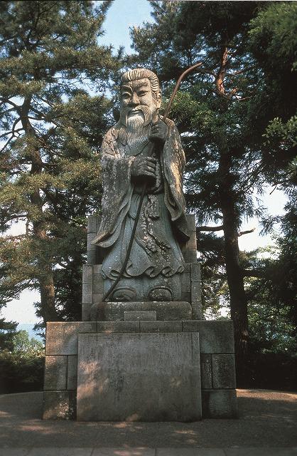継体天皇像