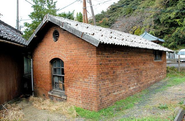 ランプ小屋